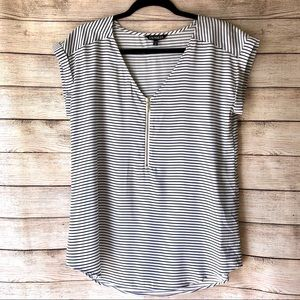 🎃 Express Striped Zip Front V Neck Short Sleeve